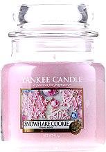 Parfumuri și produse cosmetice Lumânare în borcan din sticlă - Yankee Candle Snowflake Cookie