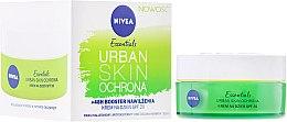 Parfumuri și produse cosmetice Cremă hidratantă de zi pentru față - Nivea Essentials Urban Skin Defense Day Cream SPF20