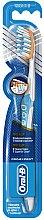 Parfumuri și produse cosmetice Pereuța de dinți, albăstrie - Oral-B Pro-Expert Pro-Flex 38 Medium