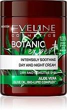 Parfumuri și produse cosmetice Cremă calmantă pentru față - Eveline Cosmetics Botanic Expert Aloe Vera Day & Night Cream