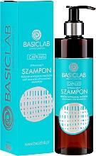 Parfumuri și produse cosmetice Șampon împotriva căderii părului - BasicLab Dermocosmetics Capillus Anti Hair Loss Stimulating Shampoo