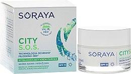 Parfumuri și produse cosmetice Cremă hidratantă de zi pentru pielea sensibilă și uscată - Soraya City S.O.S. Day Cream SPF15