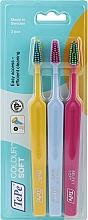 Parfumuri și produse cosmetice Set periuță de dinți, 3buc, galben + albastru + roz - TePe Colour Soft