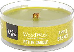 Parfumuri și produse cosmetice Lumânare parfumată în suport de sticlă - Woodwick Petite Candle Apple Basket