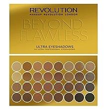 Parfumuri și produse cosmetice Paleta fard de ochi, 32 nuanțe - Makeup Revolution Ultra 32 Shade Palette Beyond Flawless