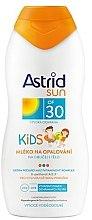 Parfumuri și produse cosmetice Lapte de corp, protecție solară pentru copii - Astrid Sun Kids Milk SPF 30