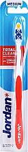 Parfumuri și produse cosmetice Periuță de dinți Total Clean, medie, roșie - Jordan Total Clean Medium
