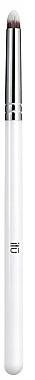 Pensulă pentru farduri de ochi - Ilu 425 Precision Smudge Brush — Imagine N1