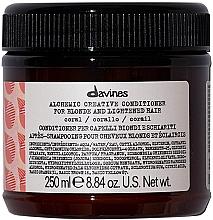 Parfumuri și produse cosmetice Balsam pentru păr decolorat - Davines Alchemic Creative Conditioner For Blond Coral