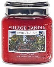 """Parfumuri și produse cosmetice Lumânare parfumată, """"Apple Wood"""", în borcan - Village Candle Apple Wood"""