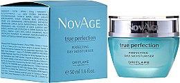 Parfumuri și produse cosmetice Cremă hidratantă de zi pentru perfecțiunea pielii - Oriflame NovAge True Perfection