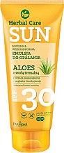 Parfumuri și produse cosmetice Emulsie impermeabilă pentru bronz - Farmona Herbal Care Sun SPF 30