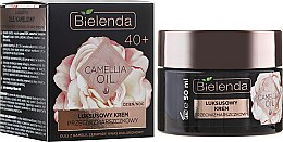 Parfumuri și produse cosmetice Cremă-concentrat împotriva ridurilor 40+ - Bielenda Camellia Oil Luxurious Anti-Wrinkle Cream 40+