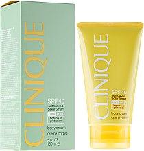 Parfumuri și produse cosmetice Cremă de protecție solară pentru corp SPF 40 - Clinique Body Cream