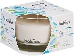 """Parfumuri și produse cosmetice Lumânare aromată în suport de sticlă """"Ceai alb și frunze de mentă"""", 63/90 mm - Bolsius True Moods Candle"""