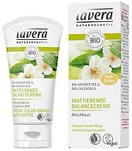 """Parfumuri și produse cosmetice Cremă cu efect matifiant """"Ceai verde"""" - Lavera Matting Cream"""