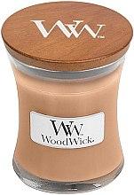 Parfumuri și produse cosmetice Lumânare aromatică în pahar - WoodWick Golden Milk