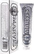 Parfumuri și produse cosmetice Pastă de dinţi cu efect de albire cu xylitol - Marvis Whitening Mint + Xylitol