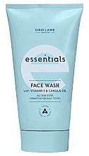 Parfumuri și produse cosmetice Soluție 3 în 1 pentru curățarea faței - Oriflame Essentials Face Wash