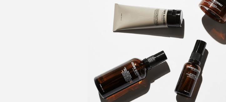 La achiziționarea oricărui produs de brand Grown Alchemist, primești cadou o mini-cremă de zi