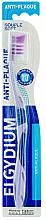 """Parfumuri și produse cosmetice Periuță de dinți """"Anti-placă"""" moale, mov - Elgydium Anti-Plaque Soft Toothbrush"""