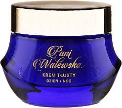 Parfumuri și produse cosmetice Cremă nutritivă cu efect regenerant- de netezire pentru față - Miraculum Pani Walewska Classic Rich Day and Night Cream