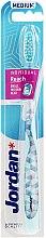 Parfumuri și produse cosmetice Periuță de dinți mediu, albastru deschis - Jordan Individual Reach Toothbrush