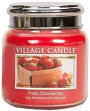 "Parfumuri și produse cosmetice Lumânare parfumată într-un borcan ""Fresh Strawberry"" - Village Candle Fresh Strawberries"