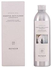 Parfumuri și produse cosmetice Preț redus! Esență pentru corp - Skeyndor Botanical Spice Essential Bath Flower Concentrate*