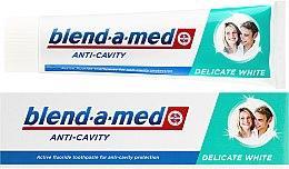"""Parfumuri și produse cosmetice Pastă de dinți """"Albire delicată"""" - Blend-A-Med Anti-Cavity Delicate White"""