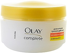 Parfumuri și produse cosmetice Дневной крем тройного действия для нормальной и сухой кожи - Olay Complete Day Cream