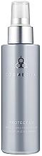 Parfumuri și produse cosmetice Spray hidratant protector SPF 30 - Cosmedix Protect UV Broad Spectrum SPF30 Moisturising Spray