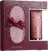 Parfumuri și produse cosmetice Set - Baylis & Harding Limited Edition Cranberry Martini (f/lot/125ml + socks/1pcs)