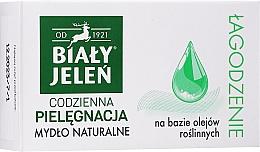 Parfumuri și produse cosmetice Săpun pentru piele sensibilă - Bialy Jelen Soothing-Moisturizing Soap