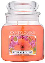 """Parfumuri și produse cosmetice Lumânare aromată """"Soare și Matricaria"""" (borcan) - Country Candle Sunshine & Daisies"""
