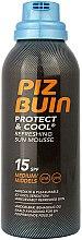 Parfumuri și produse cosmetice Spumă de corp - Piz Buin Protect & Cool Refreshing Sun Mousse SPF15