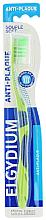 """Parfumuri și produse cosmetice Periuță de dinți """"Anti-plaque"""" moale, verde - Elgydium Anti-Plaque Soft Toothbrush"""
