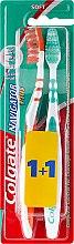 Parfumuri și produse cosmetice Periuță de dinți, moale, portocalie + verde - Colgate Navigator Plus Soft