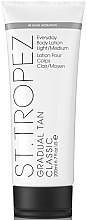 Parfumuri și produse cosmetice Loțiune pentru corp - St. Tropez Gradual Tan Everyday Body Lotion Light/Medium