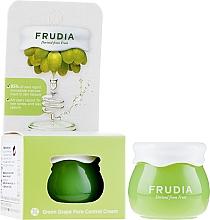 Parfumuri și produse cosmetice Cremă de față - Frudia Pore Control Green Grape Cream (mini)