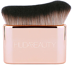 Parfumuri și produse cosmetice Pensulă pentru fond de ten și contouring - Huda Beauty N.Y.M.P.H. Blur & Glow