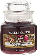 Parfumuri și produse cosmetice Lumânare aromată - Yankee Candle Moonlit Blossoms
