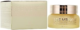 Parfumuri și produse cosmetice Cremă calmantă cu venin de albine - Mizon Bee Venom Calming Fresh Cream