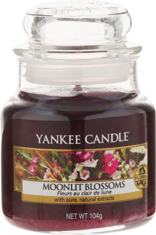 Lumânare aromată - Yankee Candle Moonlit Blossoms