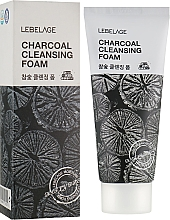 Parfumuri și produse cosmetice Spumă cu cărbune de curățare pentru față - Lebelage Charcoal Cleansing Foam